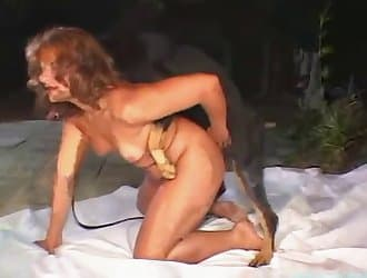 Amateur dog sex porn with a crazy girl